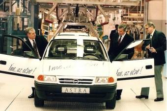 25 éves az Opel Magyarországon