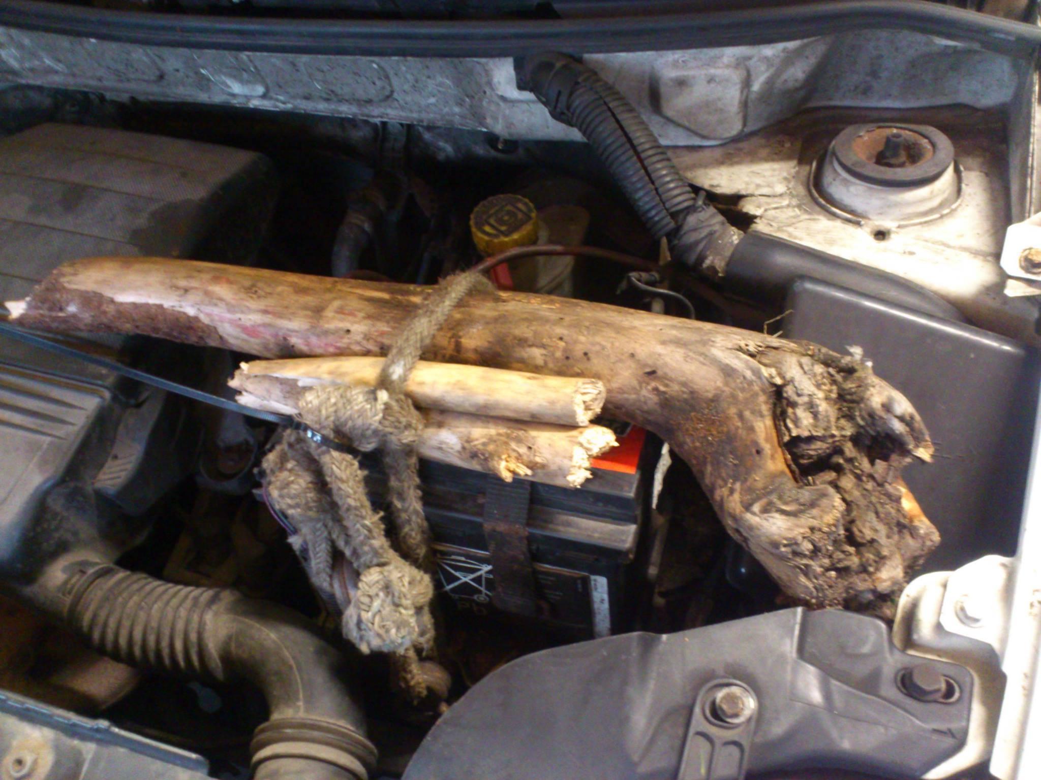 Szürreális kép a motortérben