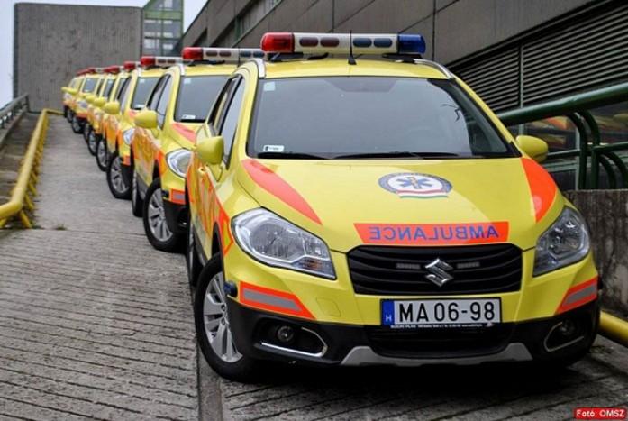Ordító a különbség a kormány járműbeszerzési stratégiájában a rendőrség hathengeres Avant Audii, 184 lóerős, benzines, összkerékhajtású B-osztályos Mercedes járőrautói, a focimeccsekhez tucatszám kiküldött, nettó áron is 15 millió feletti Sprinter csapatszállító kisbuszok és az életmentő feladatokat ellátó mentőorvosok szolgálati járművei között