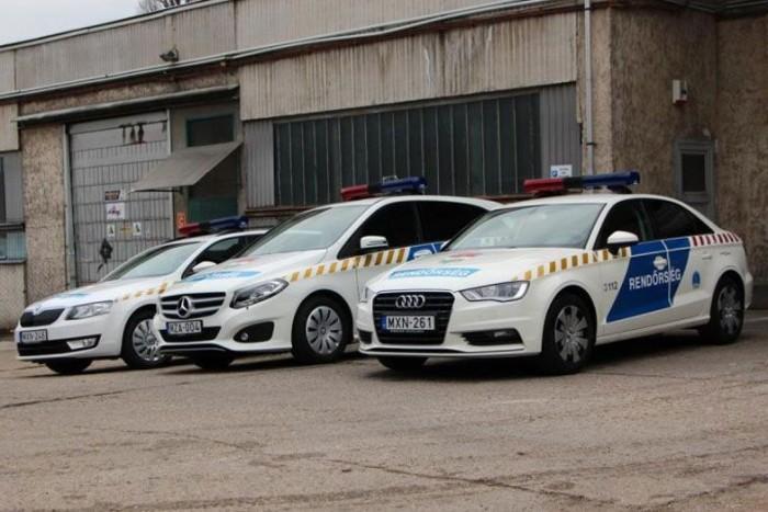 22 darab mentőorvosi kocsi esetében a Suzukikra jutott pénz. A3 limuzinból 150, a kétliteres, turbós benzines B-osztályból 225 darabot vett a kormány, járőrautónak