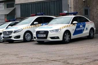 Így szép igazán: orvosok Suzukiban, rendőrök Mercedesben