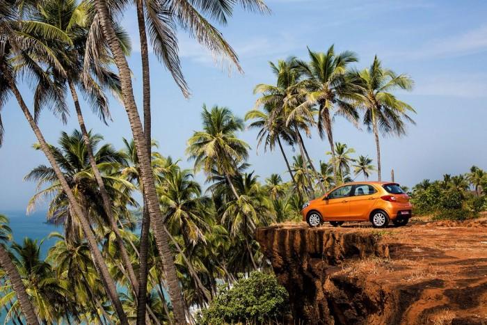 Autó a szakadék szélén? A Tata Motors marketingeseinek egyébként is van érzéke a drámai melléfogásokhoz.