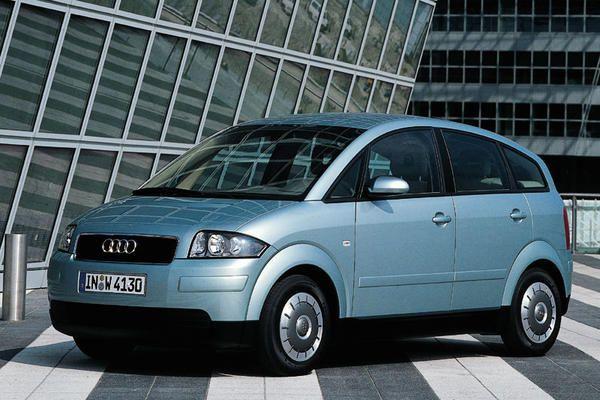 1.- Dobpergés és harsonaszó, a dízel fogyasztási bajnok az Audi A2 3L. 3,6 literes átlaggal. Értik, 11 forint vele egy kilométer a jelenlegi gázolajárak mellett. Nagy kár, hogy A2-est már egy ideje nem lehet kapni.