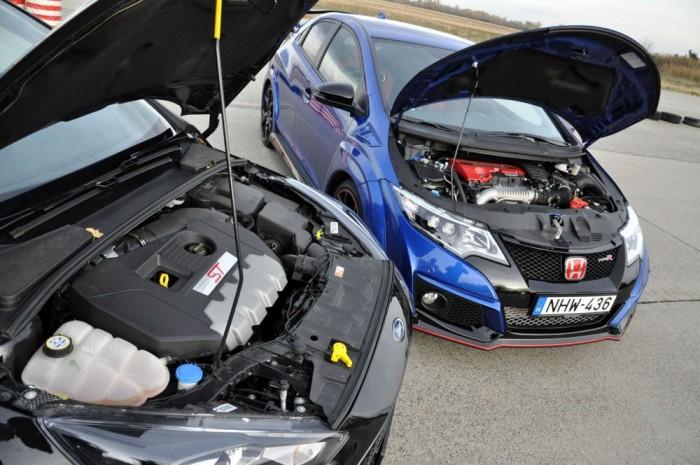Kétliteres, közvetlen befecskendezéses, változó szelepvezérléses motorokat tölt az egyetlen, fix lapátgeometriájú turbófeltöltő. Az eredmény 250 LE és 360 Nm az ST, 310 LE és 400 Nm a Civic esetében. Részleteiben a CTR motorja fejlettebb