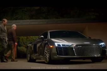 A tökös érzelgősség tökéletes példájával reklámoz az Audi