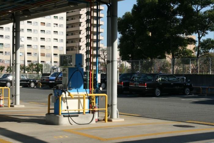 LPG-vel futnak a taxik. Autógázból körülbelül 14-15 litert fogyasztanak 100 kilométerre a megkérdezett sofőrök szerint