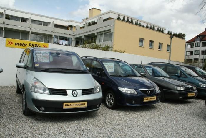 122 620 személyautó érkezett be használtan Magyarországra az elmúlt évben. A behozott autók között sokkal nagyobb a prémiummárkák aránya, mint a teljes használtautó-piacon