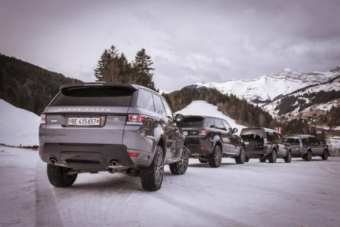 A terepes konvoj. A hibrid Range Rover volt a legesetlenebb