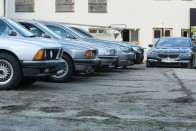 Autópályán álltak meg kannából tankolni a BMW-t, aztán jött a rendőr 1