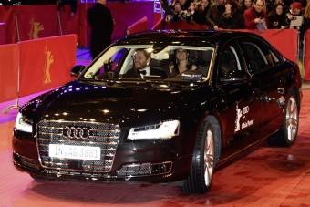 Szellemsofőr vezette a sztárok Audiját