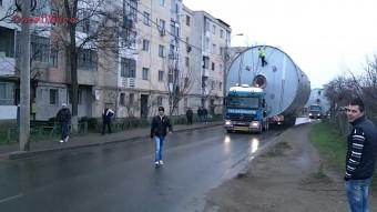 Romániában kőkemény feladat hatalmas rakományt szállítani, mutatjuk miért