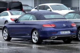 Vászontetővel is mutatós a Mercedes C-osztály
