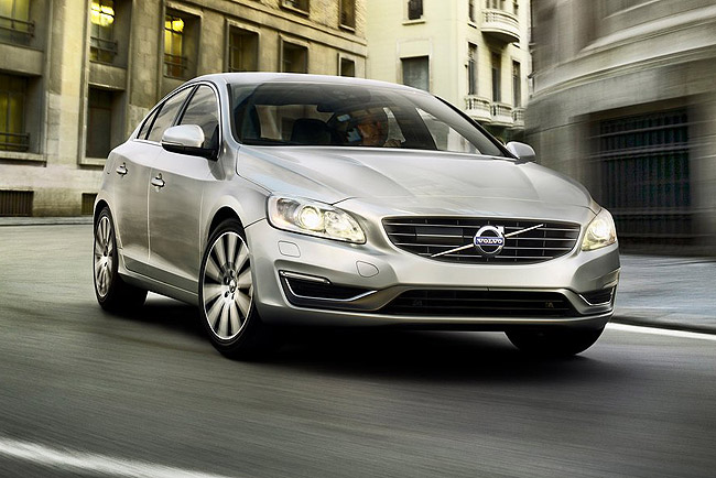 Volvo-S60_2014_1024x768_wallpaper_03