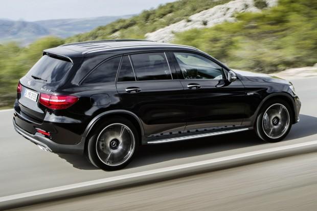 Az 1845 kilós autó 4,9 másodperc alatt gyorsul 100 km/órára, végsebessége 250 km/óra.