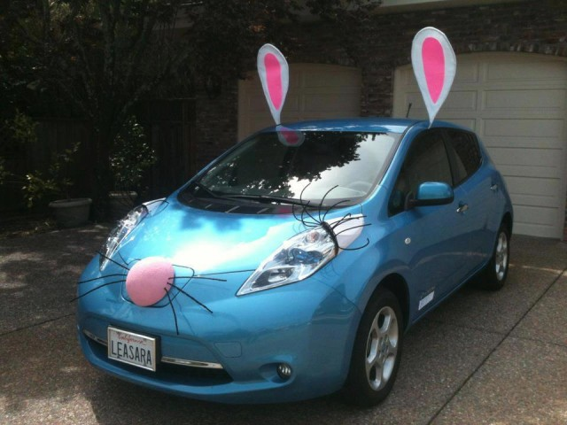 2011-nissan-leaf-electric-car-in-eastern-bunny-costume-for-campbell-ca-parade-photo-paul-stith_100424157_m