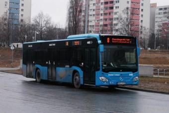 A BKV utasokat tartott fogva egy buszon