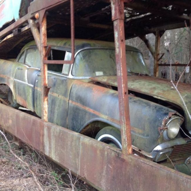 abandoned_chevy_05