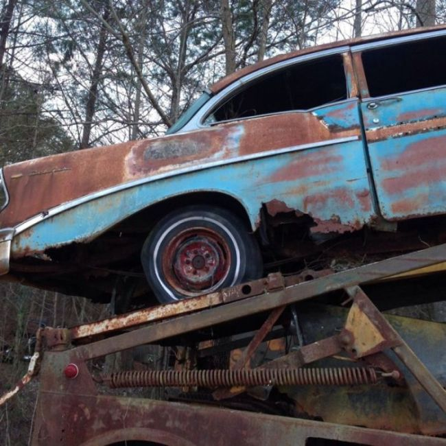 abandoned_chevy_08