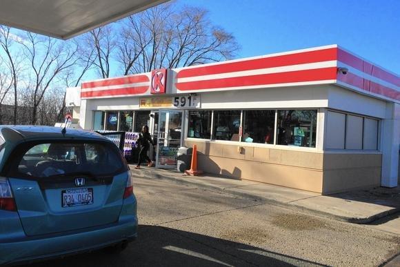 Ezen a benzinkúton történt a tragédia.