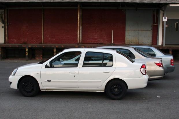 Strapabíró és kis igényű autó a Renault Thalia. Valamivel félmillió Ft felett lépcsőshátú Fabia is akadhat