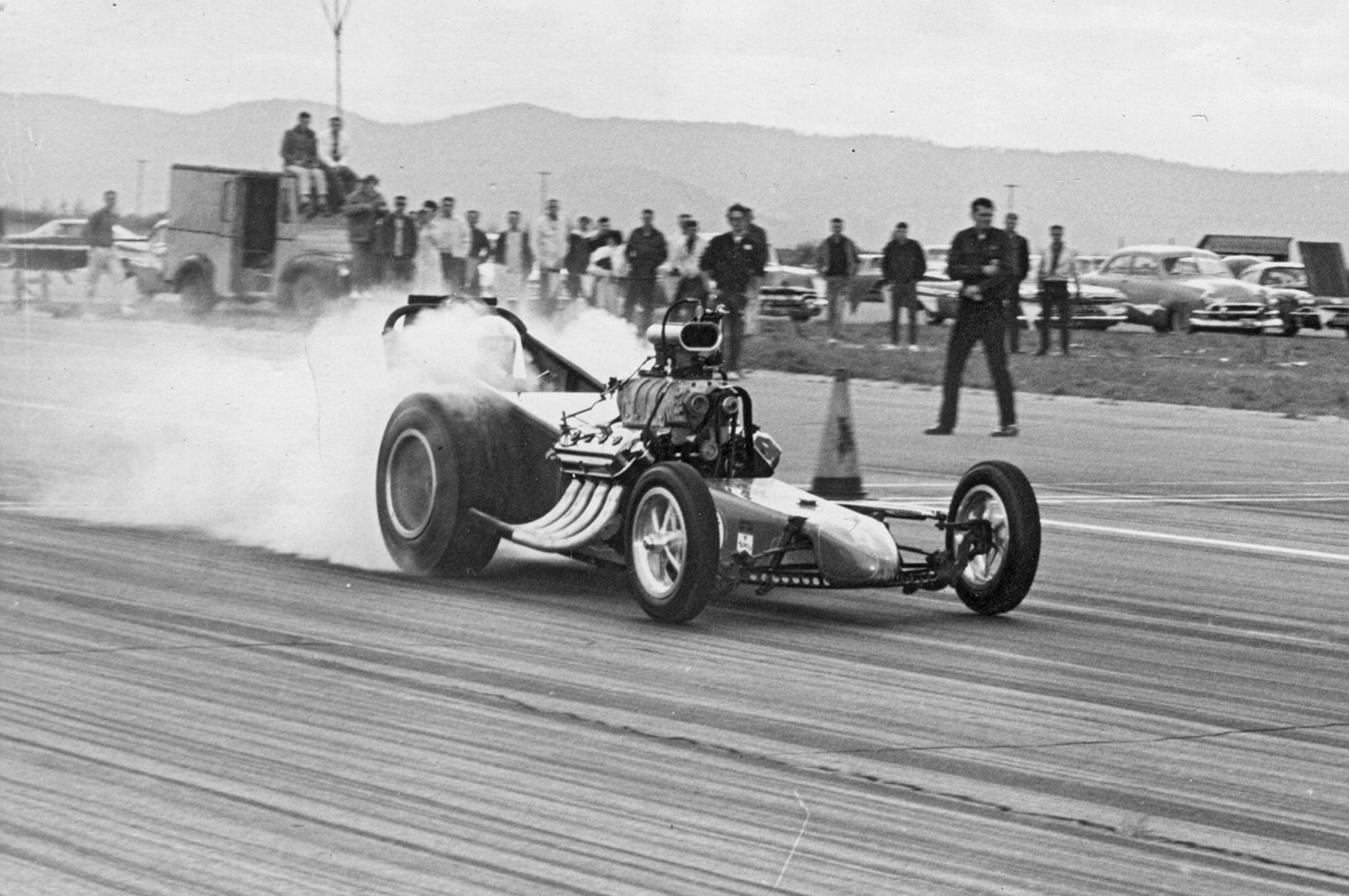 first-use-of-nitrous-on-a-dragster-thrifty-dragster-racing (1)