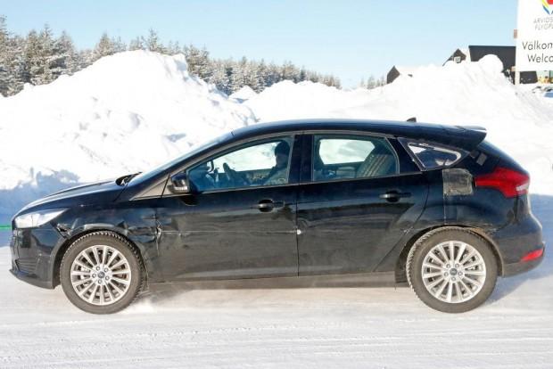 Ford Focus 2018 prototípus kémfotó