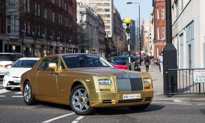 gold_supercars_08