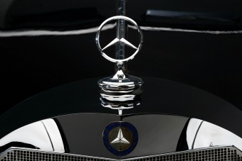 Minden magyar Mercedesszel menne