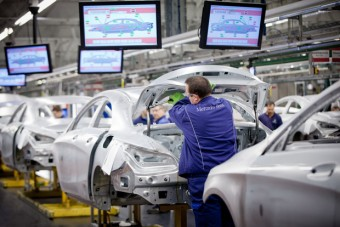 Rekordévet zárt a Mercedes Magyarországon