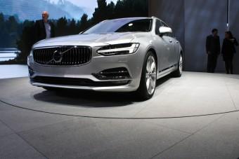 Luxuskombiban a Volvo a király?