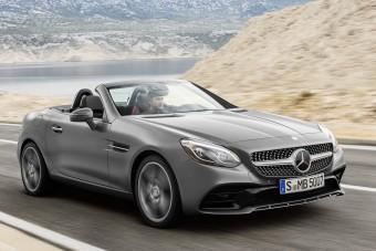 Új néven, új külsővel a Mercedes kis roadstere