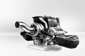 Forma-1-es motort mindenhova!