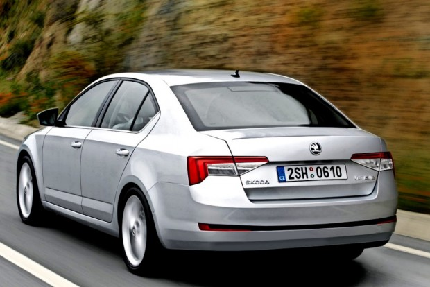 2017-Skoda-Octavia-rear-three-quarters-rendering