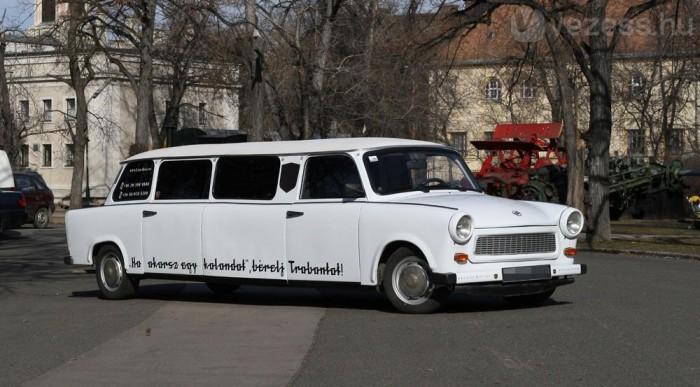 Több Trabi is luxuslimóként éli második életét, ez a fehér darab például Budapesten
