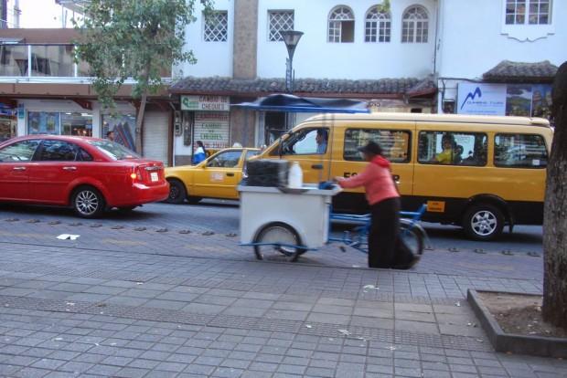 6. Ecuador, 107 Ft/liter. Itt fut keresztül az Egyenlítő, az Andok-hegységbeli ország innen is kapta nevét. A fotón utcarészlet Quitóból, a fővárosból.