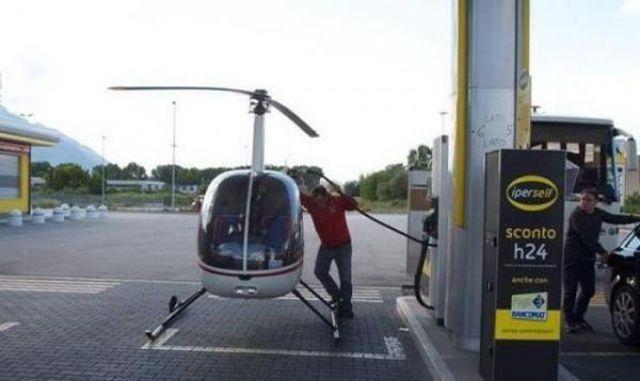 Az ember, akinek tényleg bíznia kell a benzin minőségében.