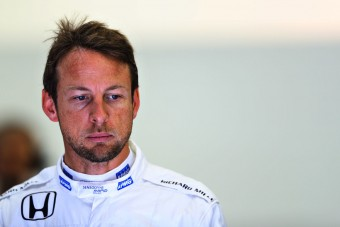 Button triatlonon indult - gyorshajtás miatt kizárták