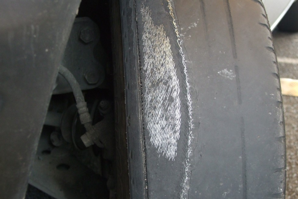 Green-Flag-Jul-Illegal-tyres_2