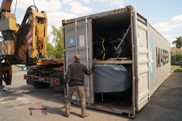 Amikor kiömlik a dobozból az amerikai levegő (ha nem nyitották fel a holland vámosok, persze)