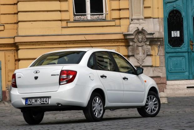 Takarékos volt a tesztautó, 5,8-7,9 liter között fogyasztott autóúton illetve Budapesten 100 kilométeren