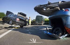 Autószállító borult az M1-esen, óriási a dugó
