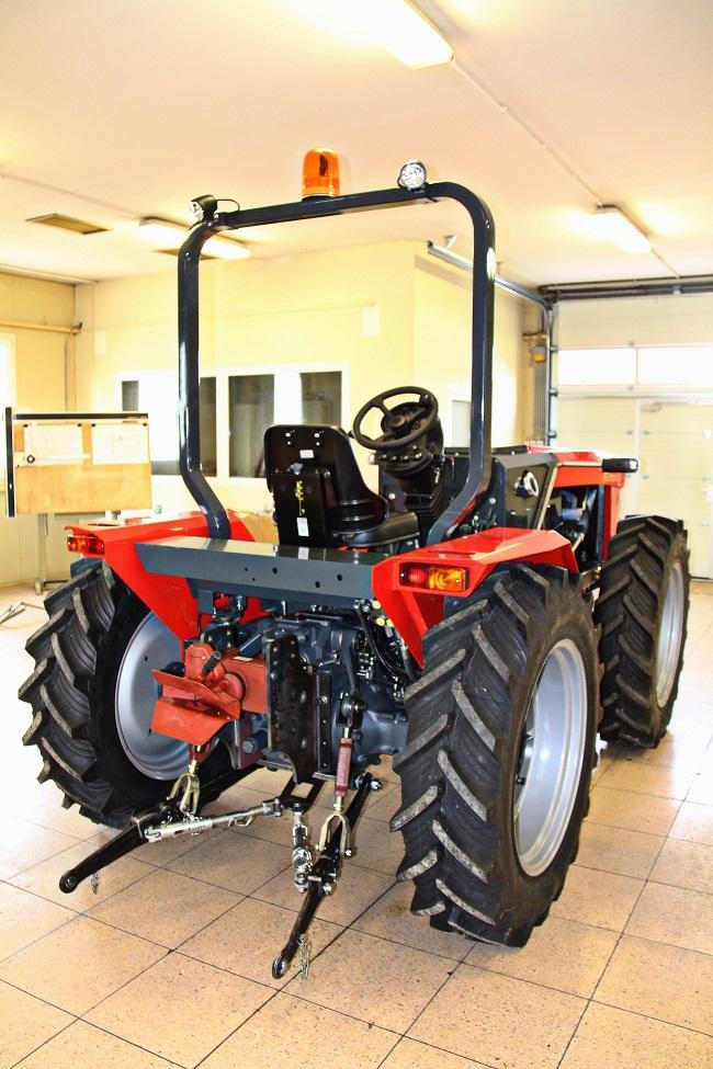 magyar_traktor_1k