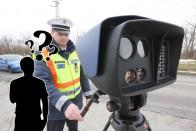 Tényleg meg kell állnunk, ha civil autóból levillog a rendőr? 2