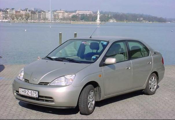 Toyota Prius volt a genfi igásló