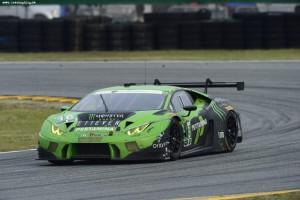 Ezt látja az üvöltő Lamborghini pilótája