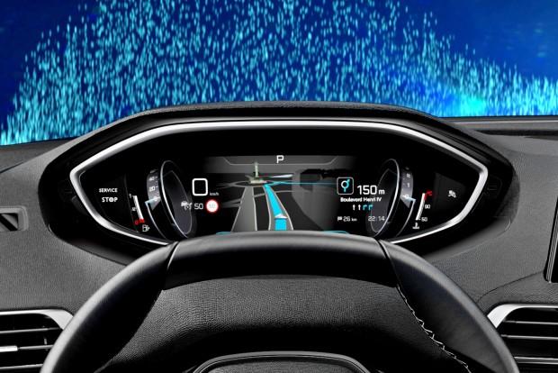 Több 12 hüvelyknél az új digitális műszeregység legnagyobb mérete. A műszeregység teljesen személyre szabható, itt a sebesség- és a fordulatszámmérő csak egy-egy tárcsa a kijelző szélén, mert a fő helyet a 3D-s navigáció foglalja el