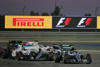 F1: Új kuplungot kért anyacégétől a Mercedes