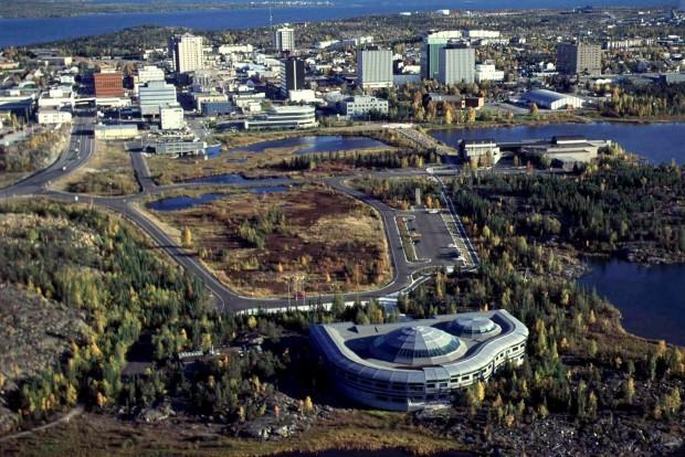 A 20 ezer lakosú Yellowknife. Gyémántbánya és északi fény van, rántott csirkés gyorsétterem nincs