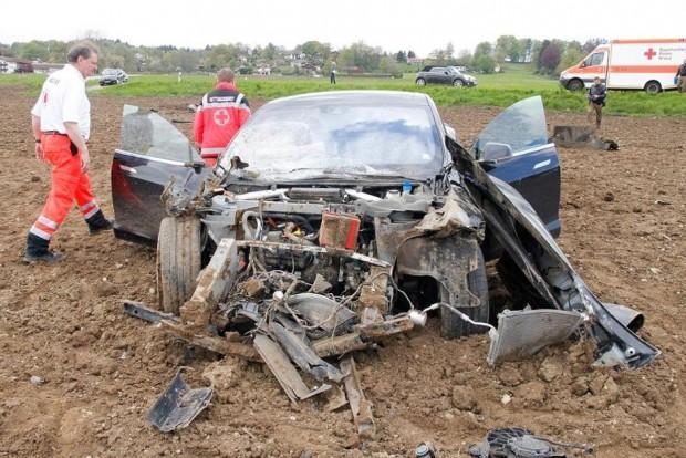 Tesla Model S baleset Németországban
