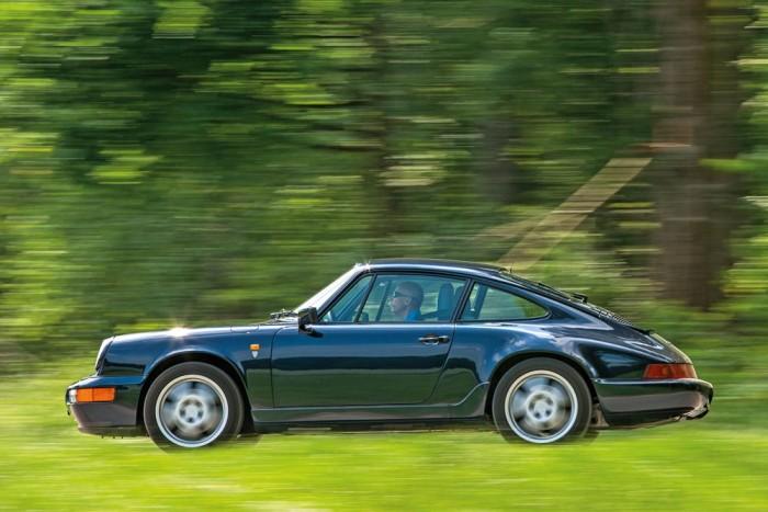 Egy farmotoros Porsche nagy kihívás elé állítja a vezetőt, a Carrera 4 kiszámíthatóbb